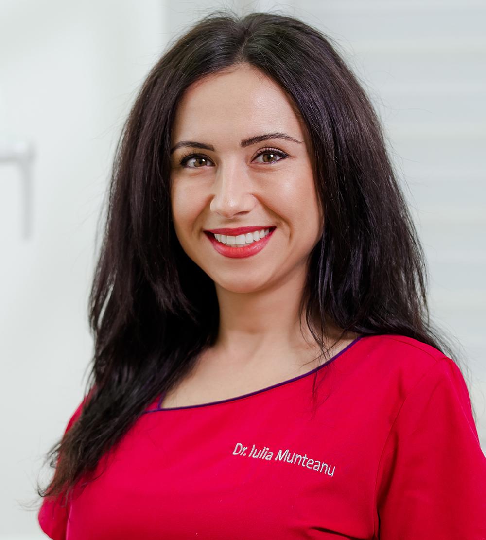 Dr. Munteanu Iulia